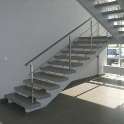 Marijampolė, 2009 m. Aplinkos apsaugos departamento pastato laiptinei pagamintos šlifuotos-poliruotos laiptų pakopos bei plokštės aikštelėms.