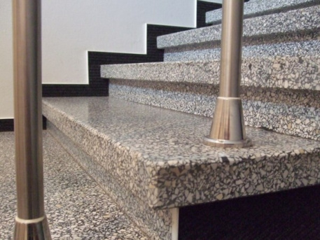 Teracinio betono laiptų pakopos