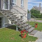 Šakiai, 2014 m. Pagamintos poliruotos pakopos su šiurkštinta juostele lauko laiptams bei poliruotos pakopos vidaus laiptams. Holo grindims iškloti panaudotos čekiškos mozaikinio betono plytelės GRANEX.